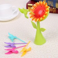 Wholesale New Arrival design plastic fruit fork birds fork cutlery Set