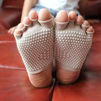 Wholesale New Arrival Women Professional Yoga Five Fingers Socks Ladies Non Slip Durable Pilates Fitness Socks Girls Sports Socks MD0019