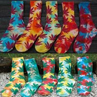 beige paint colors - Free DHL colors U pick multicolour tie dye painting Maple Leaf hiphop Thicken Skateboarding Sport Socks