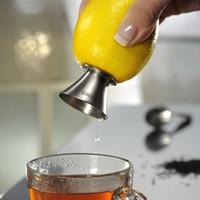 Wholesale Classical Kitchen Accessories Cozinha Gadgets Lemon Squeezer Lemon Juicer Pourer Screw Limes Oranges Drizzle Fresh Citrus Juice