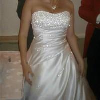 Wholesale In Stock White Ivory Wedding Dresses Beads Sequins Strapless Satin Chapel Train Sleeveless Bride Dress Bridal Ball Gowns vestido de novia