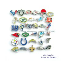 Wholesale 100pcs random the football teams floating locket charm for living floating locket as gift