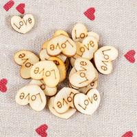 achat en gros de ornement en bois artisanat-2016 New Wood bouton d'amour de coeur de l'artisanat naturels inachevés vierges fournit des ornements de mariage Couture Scrapbooking Boutons