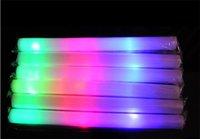 200pcs / lot Flash jouet multi lumière couleur flash jouet conduit mousse stick conduit mousse baton glow stick pour mariage accessoires de concert de fête LED Light Sticks