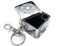 Wholesale 3 cm mini Portable fashion Eco Friendly Pocket Shatterproof Cigar metal Square and round Ashtray with diamond and chain