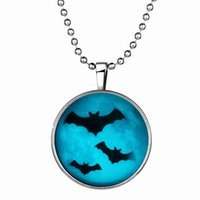bat pendant light - 152N71 European Charms Bat Light Necklace For Kids Halloween Day Gift Best Seller Noctilucence Animal Pendant Necklaces Hip Hop Jewelry