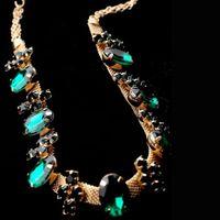 Wholesale Bohemian Forehead Chain Hair Jewelry Chain Tiara Pageant Rhinestones Headband Classical Head Green Gem Chain For Women N049