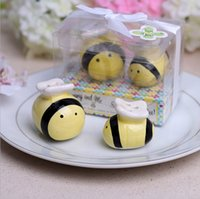 Wholesale Creative Ceramic Bee Salt Pepper Shaker Wedding Favors And Gifts For Guests Souvenirs Decoration Event Party Supplies