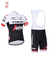achat en gros de quickstep vélo-2017 Tour De France Quickstep TREK Cyclisme Jersyes Manteaux à rayures Jersey + Bavoir Aucun Pantalon de bavoir Quick Dry Vêtements de vélo Taille XS-4XL Vêtements de vélo