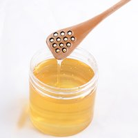 Wholesale New Arrive Cute Wood Creative Carving Honey Stirring Honey Spoons Honeycomb Carved Honey Dipper Kitchen Tool Flatware Accessory LLFA
