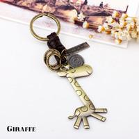 UBEAUTY Haute qualité Porte-clés de girafe mignonne Chaîne porte-clés de bijoux pour garçon à la mode