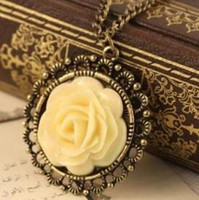 Cheap Vintage Style Cream-color Resin Rose Flower Pendant Necklace Women's Jewellery Elegant Disk Pierced Long Sweater Chain for Women