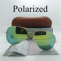Las mujeres clásicas de los hombres polarizaron las gafas de sol UV400 El resplandor antideslumbrante protege el piloto del deporte de la pesca que polarizaba los vidrios unisex del espejo que cubrían con la caja de los casos