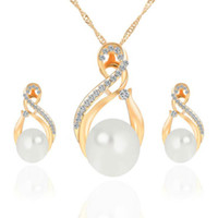 Wholesale Fashion Women Necklace Earrings Jewelry Sets Crystal Gold Color Big Simulated Pearl Wedding Party Jewelry Sets For Women