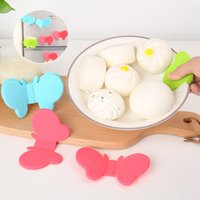Wholesale Creative Butterfly Kitchen Microwave Heat insulation heat proof silicone clip B319