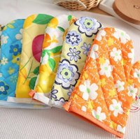 bakeware accessories - hot sale new kitchen accessories thick cotton polyester printed heat proof oven gloves mitts for bakeware random color