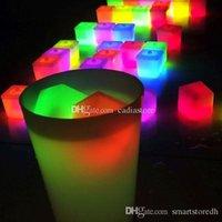 al por mayor de hielo de plástico reutilizable-Reutilizables multicolores cubos de hielo de plástico Square Bar KTV boda luz palos A00093
