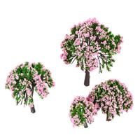 Купить Розовые садовые цветы-Оптово 4 шт Пластиковые модели Деревья Поезд макет сада Декорации белый и розовый цветок деревья Диорама Миниатюрные игрушки для детей Дети