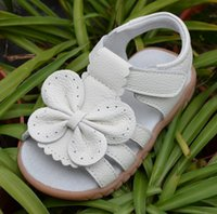 Wholesale baby girls sandals leather open toe with butterfly chaussure de nina zapatos kids flat white sandal summer shoes toddler shoes