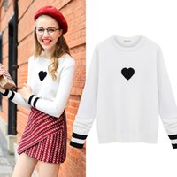 achat en gros de femmes coeur pull-Pull à manches longues à rayures manches longues Loved Heart Sweater 2017 Fashion Spring Womens à manches longues blancs Street Style Street