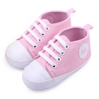 Wholesale Red Cotton Leather Baby Moccasins Girls Boys Lace up Bulk Soft Soled Girls Newborn Boots Shoes Kids Pattern First Walker Neonata