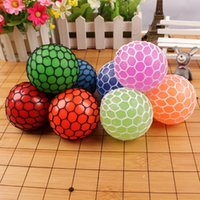 Wholesale Mesh Squish Ball CM Extrusion Vent Grape ball Fool toys Squeeze It Morph Balls Squishy Stuff Changeable Color cw