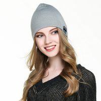 Wholesale Bluetooth knitting cap wireless Headphone Speaker bluetooth earphone cap Microphone handfree for iPhone plus samsung note s7 edge