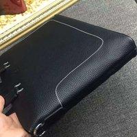 Wholesale Quality goods news famous Designers genuine leather men s Briefcase Bags high quality Business men bag brand shoulder bag for