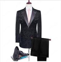 New Groomsmen Shawl Lapel Groom Tuxedos Real Picture Red / White / Black Men Costumes Wedding Best Man Blazer (Veste + Pantalons + Veste + Bow)