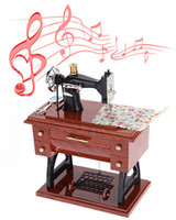 Wholesale Hot Vintage Mini Sewing Machine Style Mechanical Music Box Gift Birthday Gift Sartorius Model Musical Toy