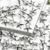 al por mayor los tacos para prendas de vestir-100 x Silver Star Studs Picos Metal 15mm Leathercraft DIY Spots Nailhead Rock Punk Ropa Ropa Ropa de costura Decoración