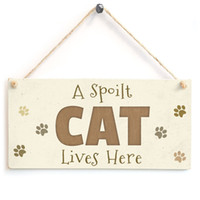 Wholesale Hanging plaque signs A spoilt cat live here with many cats feet print your pet living house sign