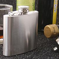 Wholesale 1oz oz oz oz stainless steel hip flask portable portable men hip flask Hip Flasks Drinkware Dining Bar Sand chrome
