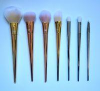 Maquillage Brush Pink Limited Spécial Super Soft 7Pcs Set de brosses Make Up Professional 7 Ensemble de brosse 7 pièces Outils de maquillage DHL Livraison gratuite + CADEAU