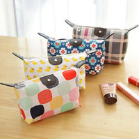 Wholesale HOT sales large capacity Cosmetic Bags Dumplings Make up bags for women Plaid travel wash bags DHL