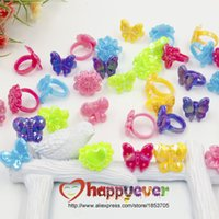Wholesale Assorted Plastic Chunky Rings for Princess Theme Party Favors Giveaways Girls Birthday Goody Bag Kids Reward Prizes Pinata