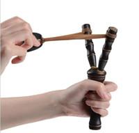 La honda de madera de los niños al por mayor-2pc / lot para los juguetes al aire libre / los niños de los cabritos ama el boomerang de madera del juguete / los juegos de la flecha del vuelo, envío libre