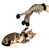 Wholesale Pet Cat Plush Leopard Print Glove Kitten Teaser Toy Gato juguete bromista gato guante estampado de leopardo de peluche Magic Glove Teasers