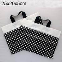 al por mayor polka dot negro bolsas de regalo-Bolsos de plástico del regalo del punto de polca negro, bolso de compras plástico 25x20x5cm