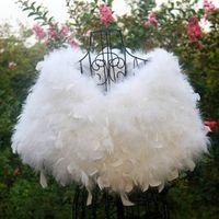 Faux fur jackets Цены-Новое прибытие белый / красный / розовый платок Свадебный Cape Mariage Свадебный пальто зимы куртка венчания шерсти Faux пальто Формальное Shrugs для женщин