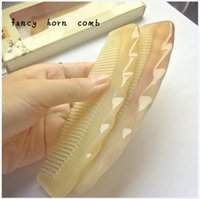 Wholesale Handle Combs Natural Sheep horn comb Ox Horn Brushes With Handle fancy Comb Health Care Comb CM Length large size hand made