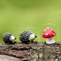 Wholesale 3Pcs set Artificial mini hedgehog with red dot mushroom miniatures fairy garden moss terrarium resin crafts decorations for home