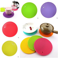 Wholesale Non Slip Table Mats Silicone Round Heat Resistant Mat Be Hung Durable Coaster Cushion Silicone Placemat Hung Pad Kitchen Accessories
