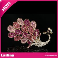 Wholesale 100pcs Unique Design Women Jewelry Amazing Pink Crystal Rhinestone Peacock Brooches Pins Peahen Brooch in Gold Plating