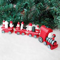 2017 Decoraciones calientes de la Navidad 4 pedazos Pequeño tren de madera Decoración de interior de Navidad Rosonse Regalo Pequeño tren de madera para los cabritos Regalo de la Navidad