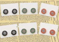 al por mayor pendientes de los pernos prisioneros de naranja-El oro libre de la manera del envío plateó los pendientes verdes / anaranjados / negros de la marca de fábrica del perno prisionero del logotipo de la letra del Rhinestone de la cerradura