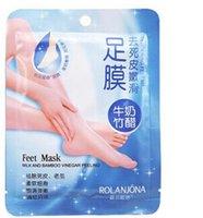 Wholesale Feet Mask Milk Bamboo Vinegar Peeling Tendering Feet Mask Exfoliating Dead Skin Remove Pro Feet Care