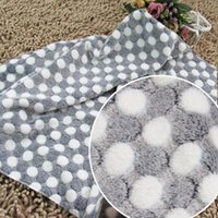 Wholesale Pet blankets in the winter to keep warm and comfortable natural sweet warm nest The choice of owners