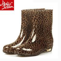 Wholesale 2016 Women Boots Fashion Platform Rubber Rainboots Mid Calf Girl Autumn High quality Waterproof Boot Casual Shoes Woman XWX511 PVC Light