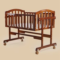Wholesale Good Quality Baby Crib Safe Solid Wood Bed Infant Balance Swinging Bed Newborn Baby Cot Cradle VT0415